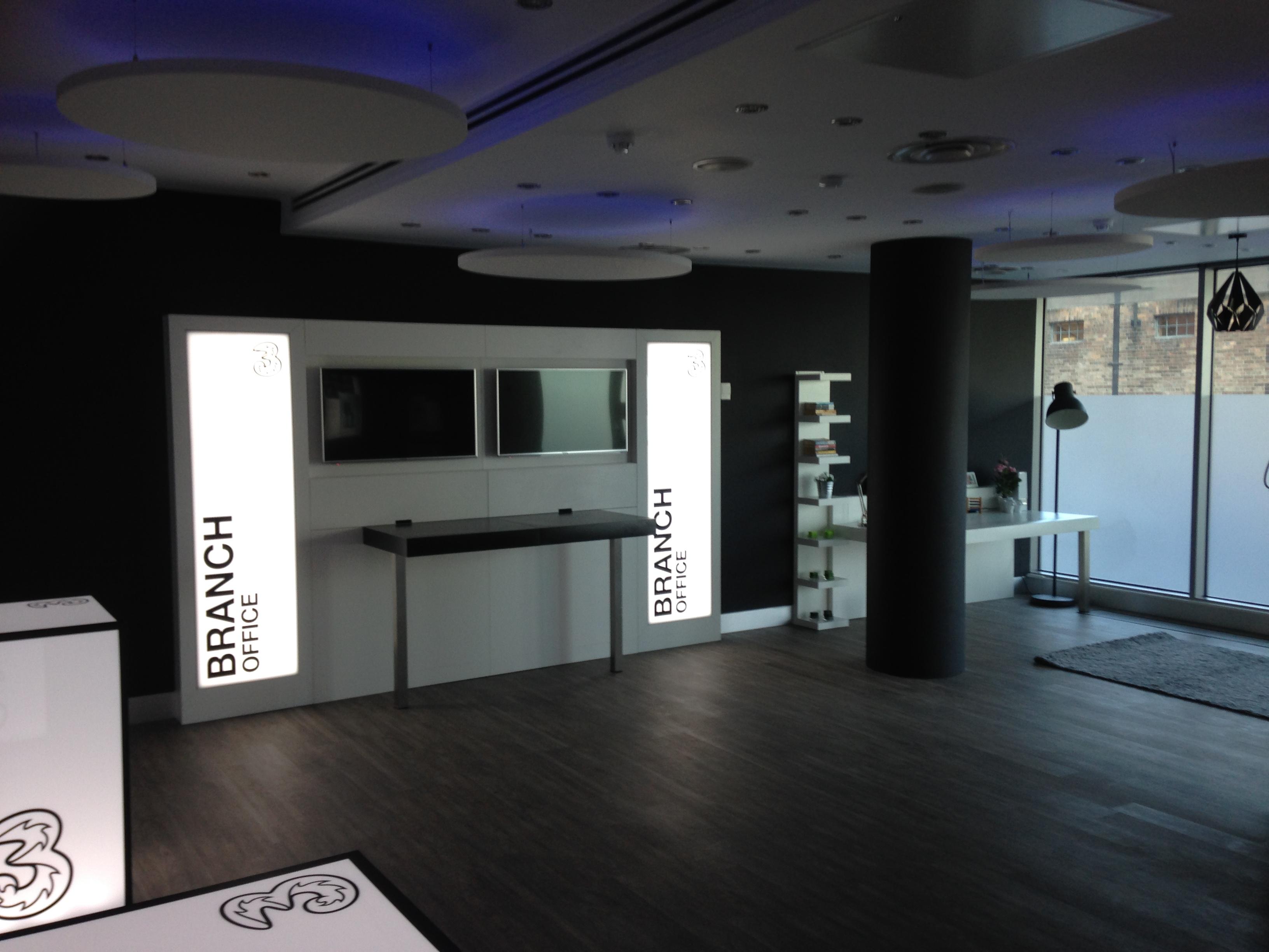 Shop-Fitting-Three-Customer-Experience-Room